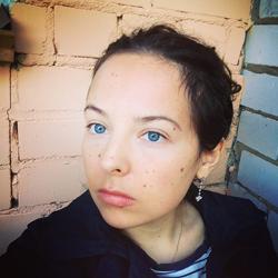 Режиссер A.SHISHOVA